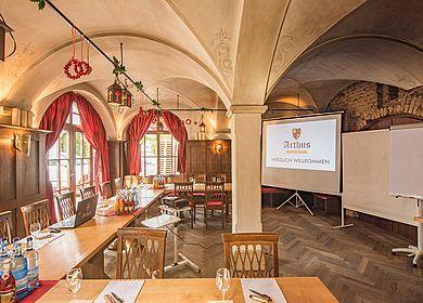 Kreativ tagen und feiern, Tagungsraum Ritterstube, mittelalterliches Ambiente, Mittelalterhotel, Hotel Arthus