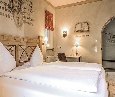Schlafbereich, Themenzimmer Gutenberg, Familienzimmer, Hotel Arthus