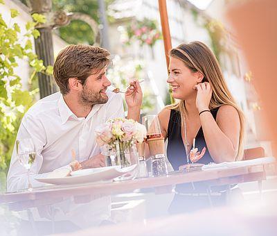 Mittagessen, Gasthaus zum Rad, Paar, Liebespaar, Genuss, Essen, Gasthaus zum Rad