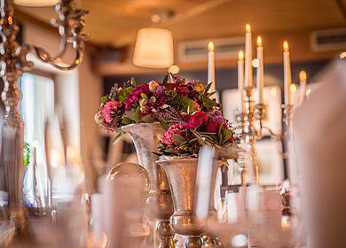 Detailaufnahmen Restaurant, Gasthaus zum Rad, Eingedeckter Tisch, Dekoration, Hotel Arthus, Aulendorf