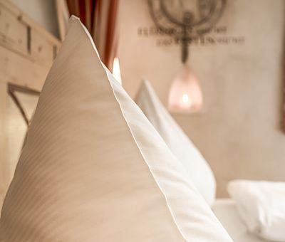 Detailaufnahme Schlafbereich Junior Suite Norbertus, Themenzimmer Norbertus, Hotel Arthus